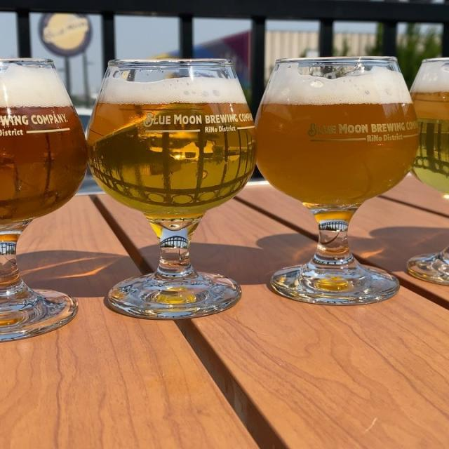 We love our fruit and wheat beers but that's not all were good for! Come celebrate National IPA Day with us today and try an IPA flight, you won't be disappointed! 🍻  IPA's on Tap: West Coast IPA- 6.3% ABV 65 IBU Hop Dumpster- 8.2% ABV 65 IBU Centennial IPA- 7.4% ABV 42 IBU  Juice Coast IPA- 6.3% ABV 50 IBU Clearing the StrataSphere- 5.6% ABV 30 IBU *Don't forget to add in the Moon Haze Pale Ale 😉 • • • #nationalipaday #coloradobeer #ipalover #catchflightsnotfeelings #ipaflight #rinodistrict #brewery #happyhour #denverbeer #coloradolife #denverbrewery #hops #ibu #hoppyhour